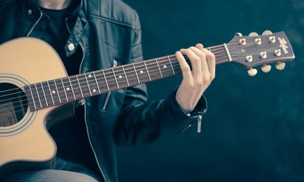 The 5 Best Microphones For Recording Acoustic Guitar