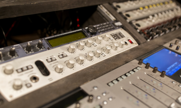 Best Mic Preamps For Home & Pro Recording Studios (Under $1,000)