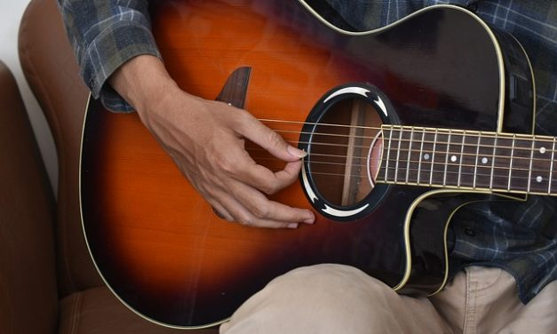 7 Best Acoustic Guitars (From $200 to $500)