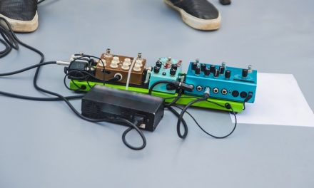 How To Choose An Effects Pedal Board